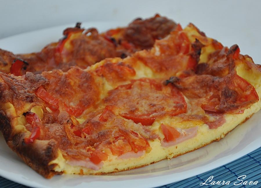 Pizza cu blat de iaurt