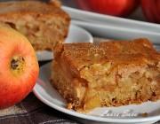 Prajitura turnata de post cu mere