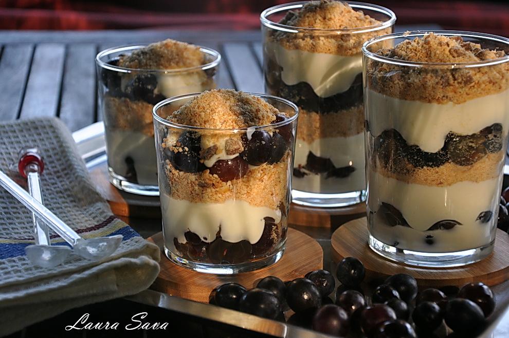 cheesecake-cu-struguri-la-pahar_01