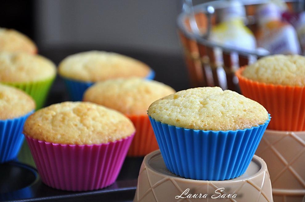 cupcakes-cu-lamaie-si-iaurt_03