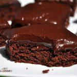 Brownies cu glazura de lapte de cocos si ciocolata