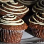Muffins cu smantana si spirala de ciocolata